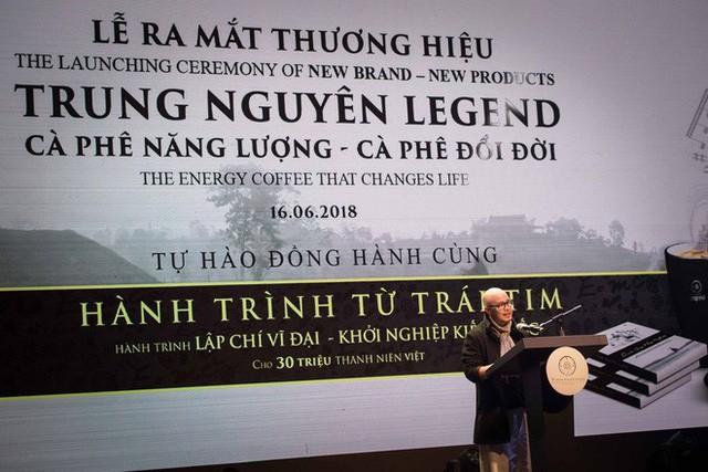 Đặng Lê Nguyên Vũ khác biệt ra sao sau 5 năm tái xuất tại lễ kỷ niệm 22 năm tập đoàn Trung Nguyên